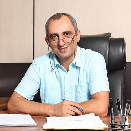 مصاحبه با آقای فرهادی پور مدیریت واحد دبستان و راهنمایی